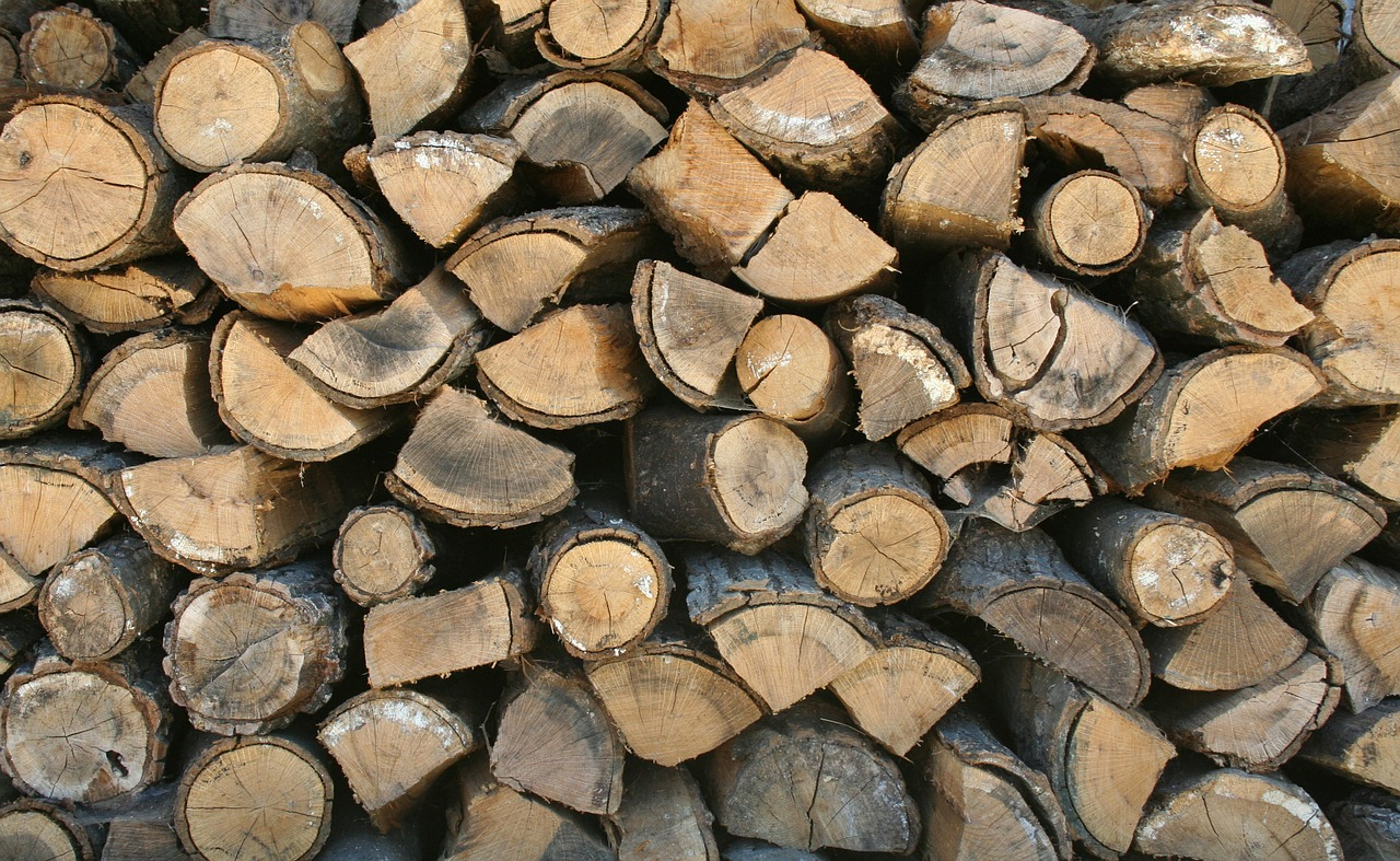 seasoned firewood from Paradise Landscaping and Tree Removal